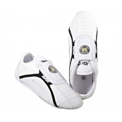 Training shoe Kick Light, white Kwon